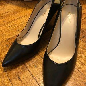 Nine West Sz 11 black wedge heels